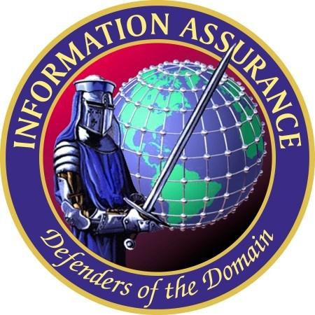 """Los defensores del Dominio son un subgrupo dentro del grupo de Aseguramiento de la Información de la NSA y está compuesto por personas """"que están en la primera línea en el desarrollo de la estrategia, los conceptos, la planificación y la ejecución técnica en el dominio de la seguridad de la información. Ellos son los verdaderos líderes en el mundo de la seguridad cibernética.En otras palabras, controlan el ciberespacio utilizando las últimas tecnologías.El caballero representa a los descendientes de los templarios, el Illuminati moderno."""