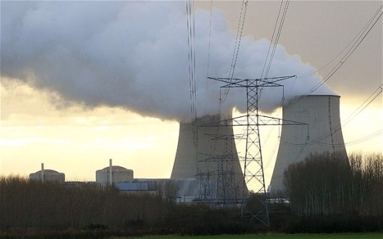 Detectan drones sobre siete centrales nucleares en Francia