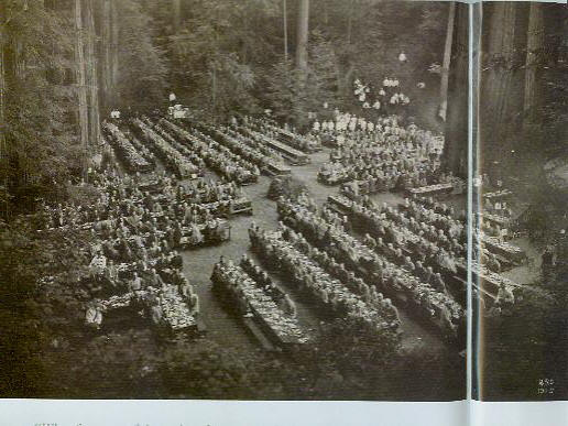 bohemian-grove-lunch-rm-nat-geo-2